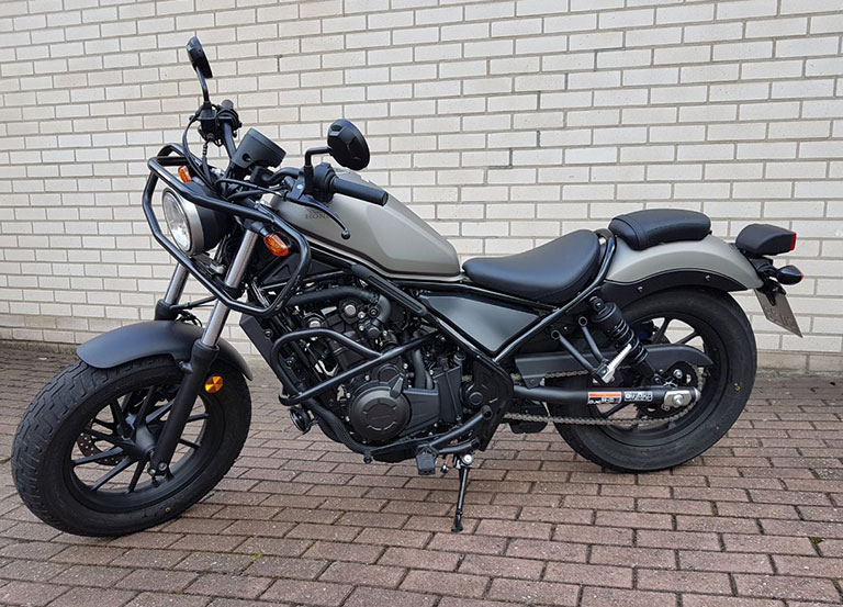 Fahrschule-Drossmann-Fahrzeuge-A2-Honda-Rebell